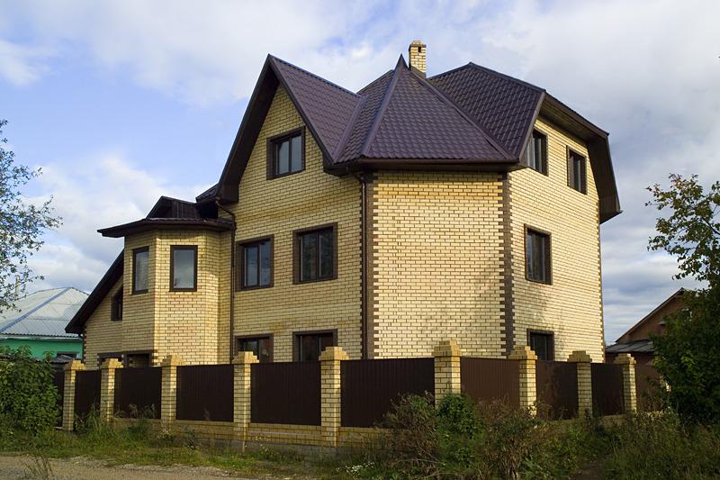 желающий может фото домов из желтого и коричневого кирпича помощью