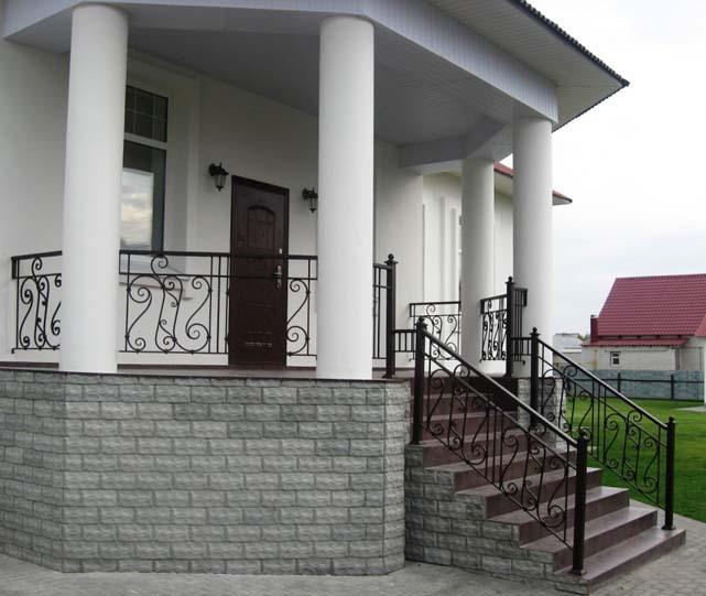 Крыльцо своими руками со столбами и навесом в частном доме