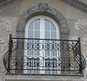 Создание эксклюзивного дизайна с помощью балясин, пилястр и французского балкона