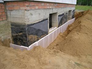 Какие материалы понадобятся для утепления фундамента