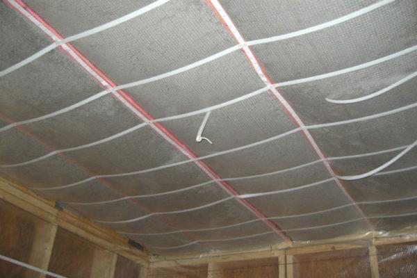 Гидроизоляционный материал на потолке