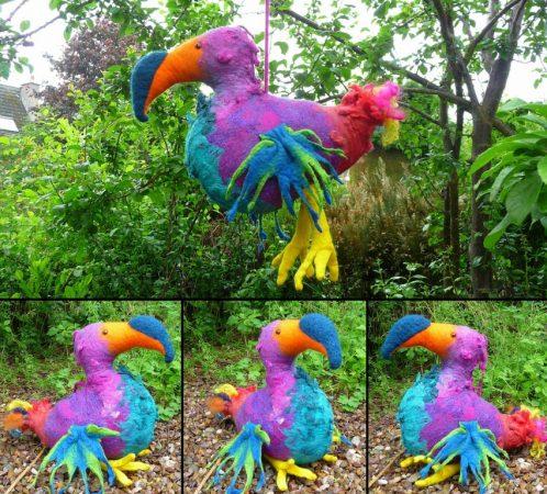 Птица из монтажной пены