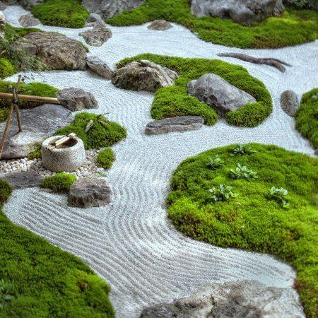 Сухой пруд в японском ландшафтном дизайне