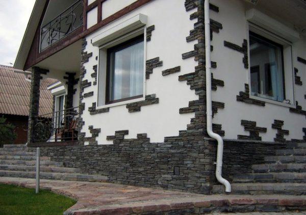 Отделка фасада камнем и штукатуркой