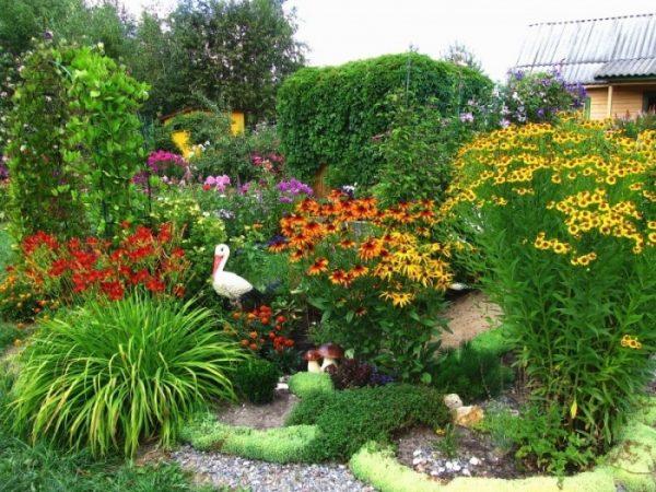 Садовый дизайн для небогатых своими руками