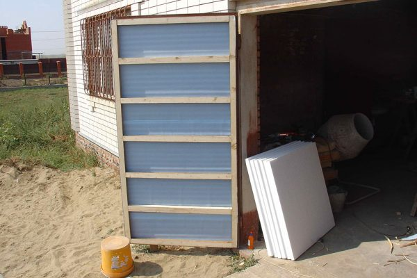 обрешётка на воротах гаража