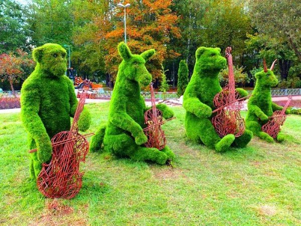 опиар фигуры из травы