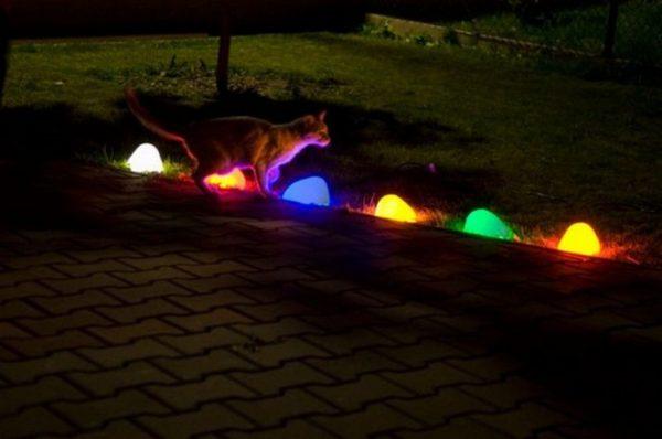 Разноцветные светящиеся камни