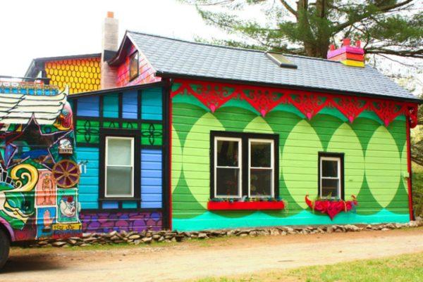 как красиво покрасить деревянный дом снаружи