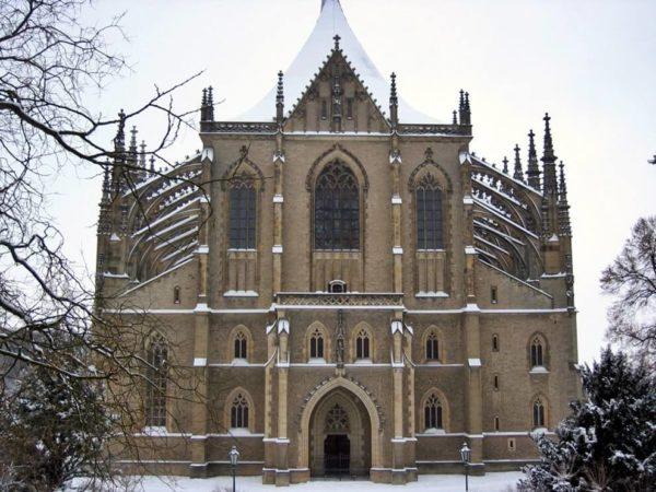 Здание в готическом стиле