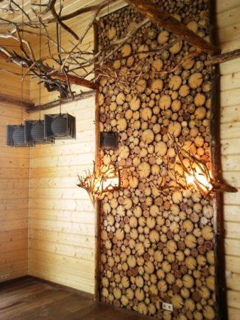 отделка стен спилами дерева своими руками