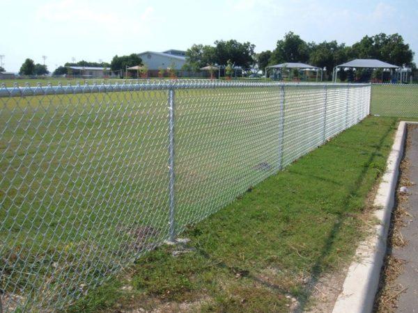 дешевый забор из сетки рабицы