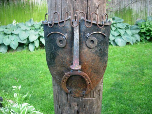 маска из старой лопаты