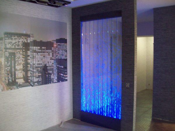 Подсветка водной стены