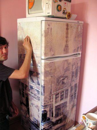 как обклеить холодильник обоями