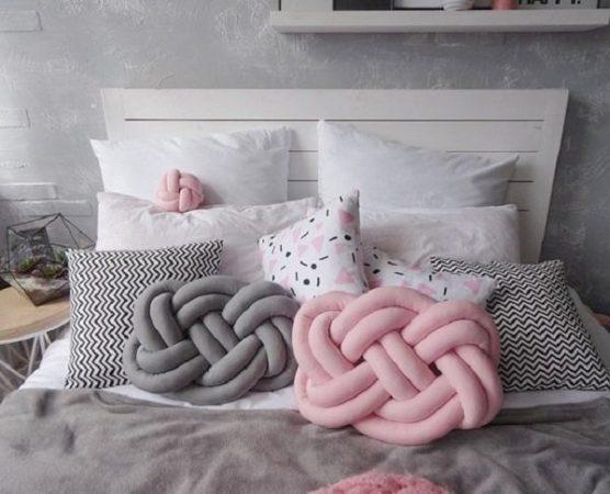 подушки-узлы из колготок
