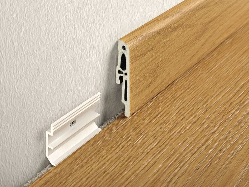 Как спрятать провода в плинтус: пошаговая инструкция