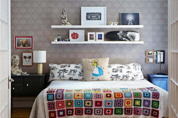 Декор на стене над кроватью