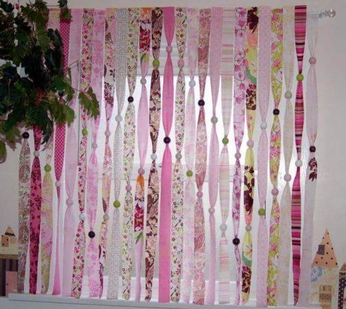летняя занавеска из обрезков штор