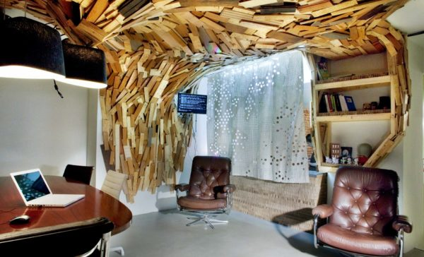 необычный потолок в квартире