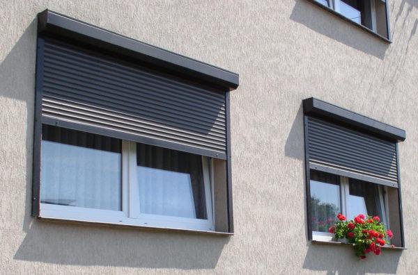 Роллетная система на окнах