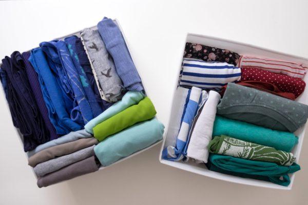Одежда в ящиках