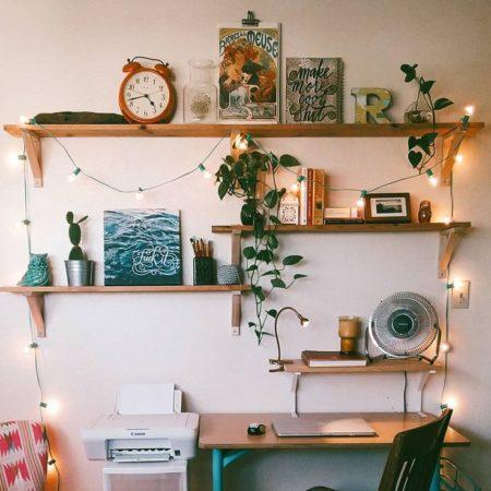 как украсить полки в комнате