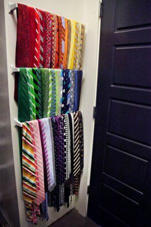 Хранение галстуков на перекладинах