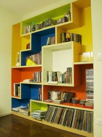 обновление старой полки для книг