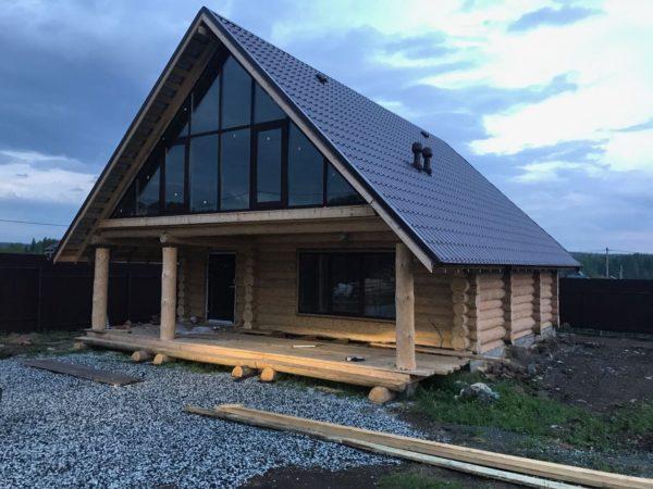 дом с двухскатной крышей