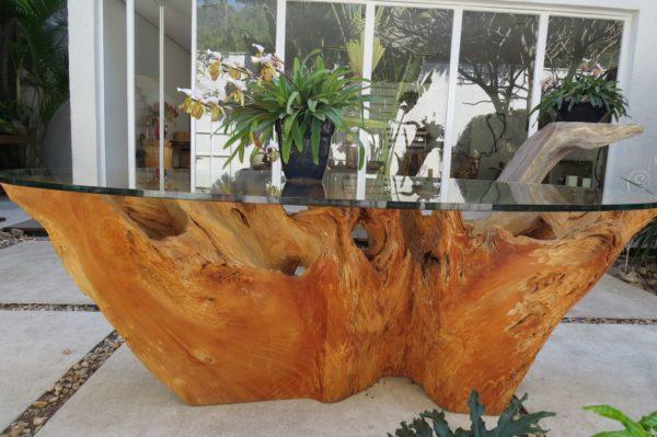 Стол из корней дерева