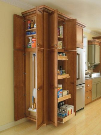Способ хранения инвентаря в квартире