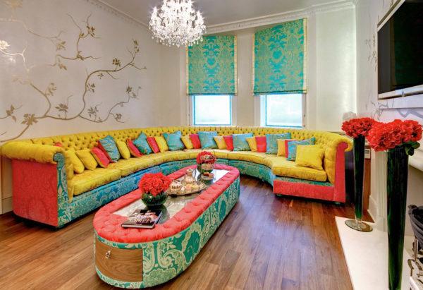 Аляповатый мебельный гарнитур
