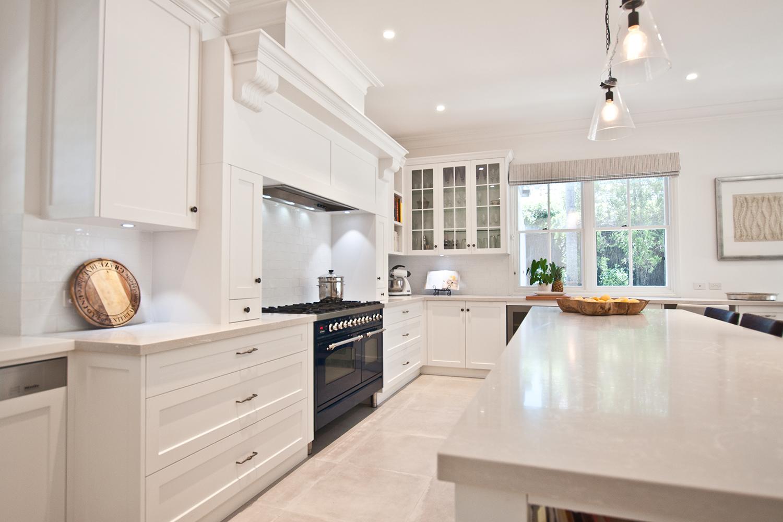 кухни с белыми столешницами фото так понравилось