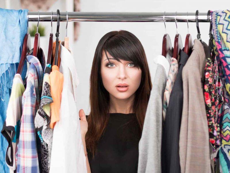 Затхлый запах в шкафу с одеждой: 5 способов борьбы с проблемой