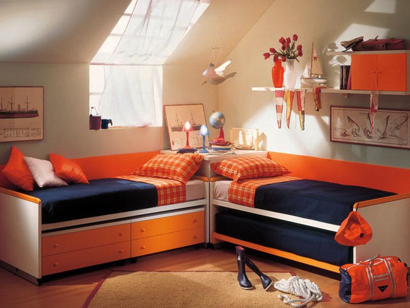 Как лучше расставить 2 кровати в детской: удобные варианты на фото