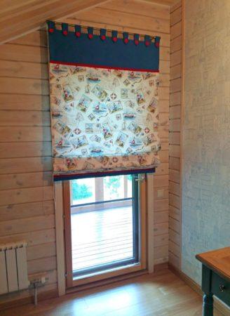 Готовая штора на балконной двери