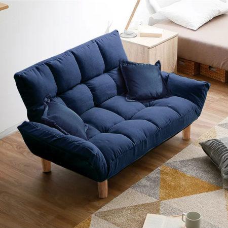Компактный синий диван