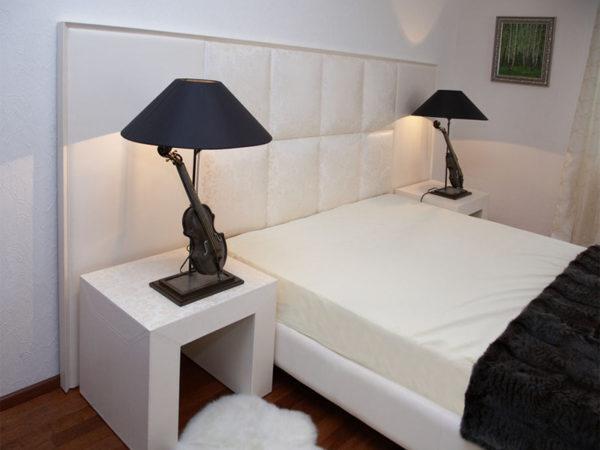 мебель для спальни вокруг кровати