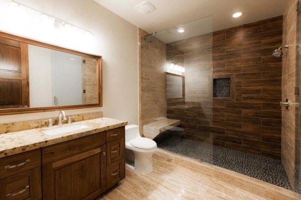 Имитация из плитки в ванной