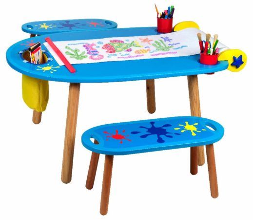 Пластмассовый детский столик и скамейка