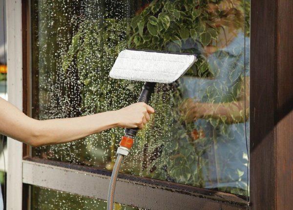 чем помыть стекла в теплице осенью