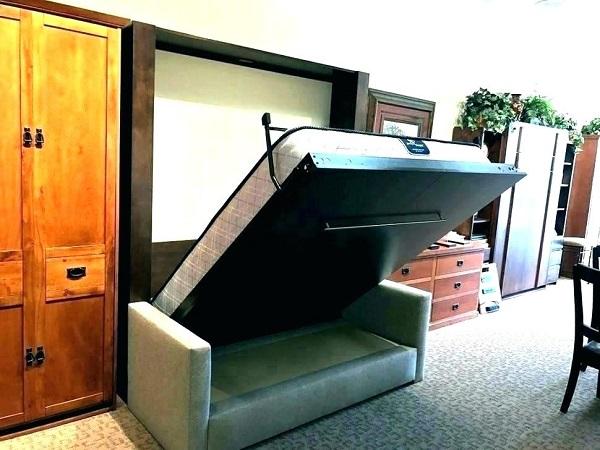 Кровать внутри шкафа