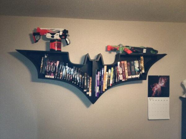 Полка в виде Бэтмена