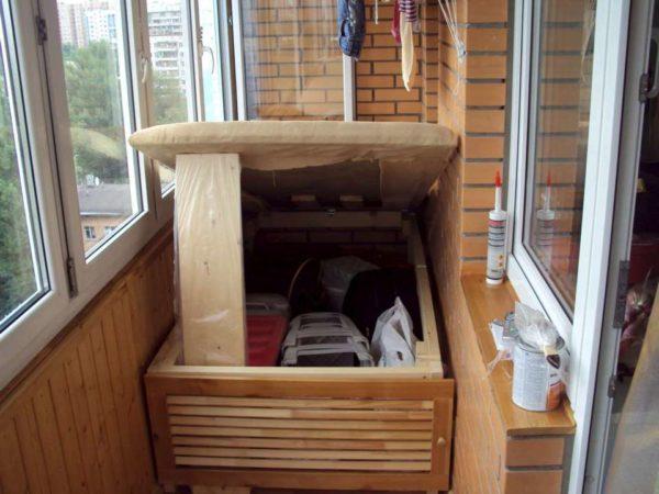 Отсек для хранения под спальным местом