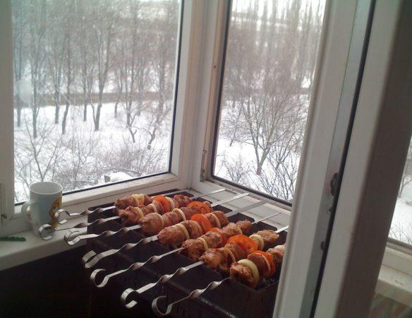 можно ли жарить шашлыки на балконе