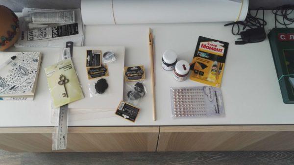 Инструменты и материалы для изготовления сундука пирата