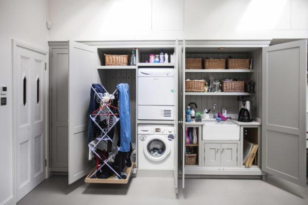 куда спрятать сушилку для белья в квартире