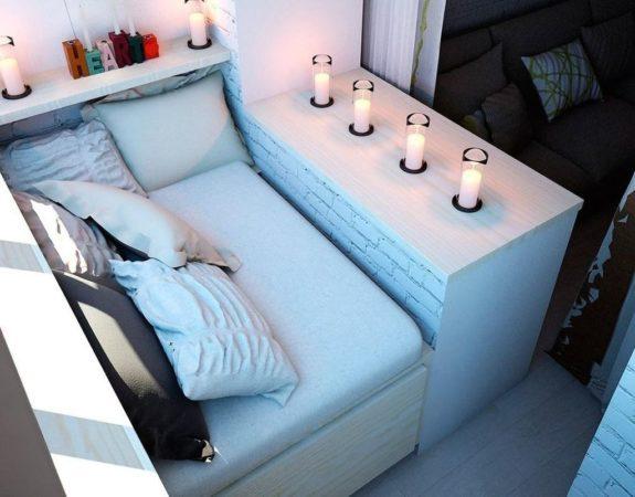 Уютная зона из подушек
