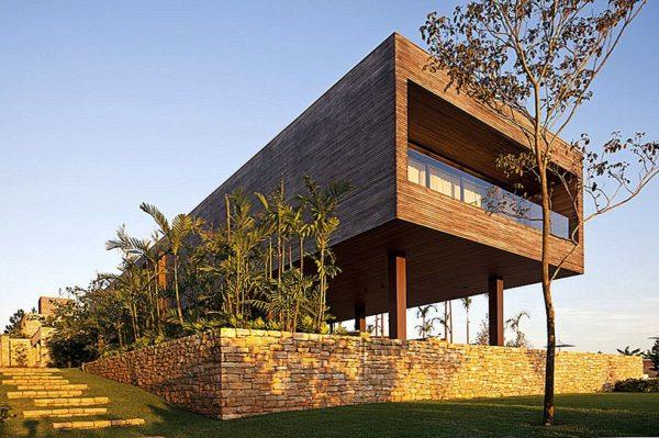 Двухуровневый частный дом в Бразилии